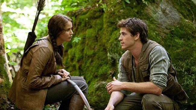 the-hunger-game-liam-dan-jennifer_20151129_224322.jpg