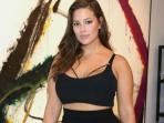 Model Tubuh Berisi Ashley Graham, Segera Tampil di Sampul 'Sports Illustrasted'
