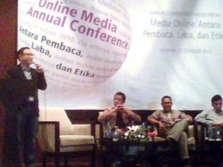 Aji Indonesia Bahas Media Online