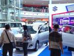 showroom-mobil-lebaran-tribunmedan_20160504_160458.jpg