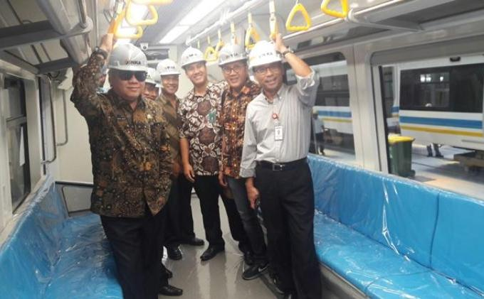 April 2018 Train Set LRT Sumsel Tiba di Palembang - IMG-20180316-WA0002.jpg