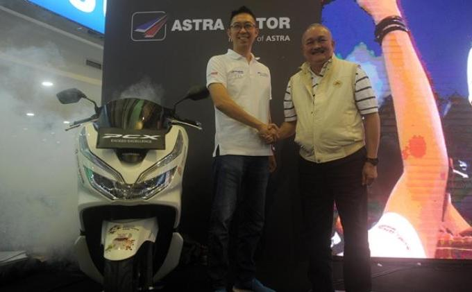 Gubernur Alex Noerdin Launching Astra Official Prestige Partner Asian Games 2018 - 10-Launching_Astra_Official_AG_.jpg
