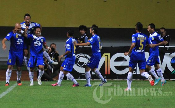 Persib vs Arema Main 4 Mei