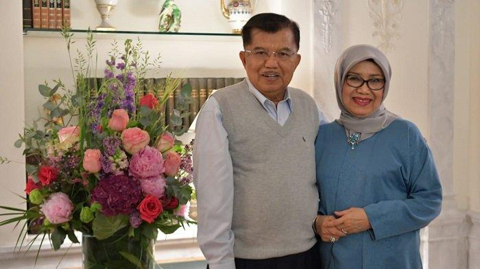 Wakil Presiden Jusuf Kalla bersama Ibu Mufidah Kalla di sela lawatannya ke Swiss dalam rangka kunjungan kerja menghadiri Forum Global Platform Disaster Risk Reduction United Nation, Rabu (15/5/2019)