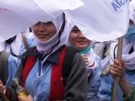 demo-buruh-tuntut-cabut-pp-no-78-th-2015_20151215_141753.jpg