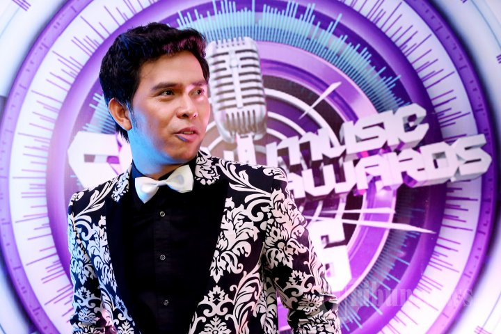 Cakra Khan di SCTV Music Awards 2016