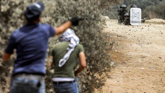 Remaja Palestina Tewas Ditembak, Lemparan Batu Dibalas Tembakan Senjata