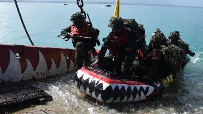 Usai Latihan Pendaratan Operasi Amfibi, Tiga Kapal Perang dan Pasukan di Reembarkasi