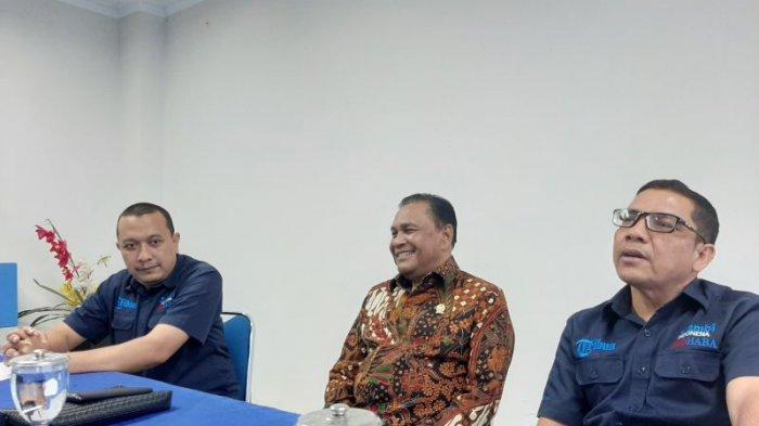 Kunjungi Kantor Serambi Indonesia, Abdullah Puteh Sampaikan Terimakasih kepada Masyarakat Aceh
