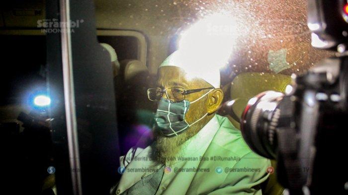 FOTO - Pembebasan Abu Bakar Baasyir Setelah Dihukum 15 Tahun Penjara di LP Khusus Gunung Sindur - abu-bakar-baasyir-3.jpg