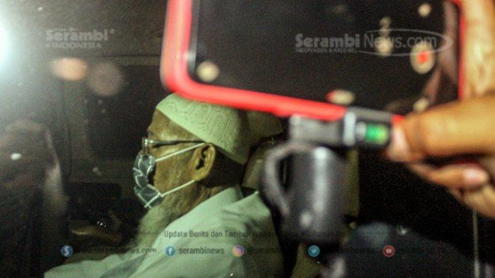 FOTO - Pembebasan Abu Bakar Baasyir Setelah Dihukum 15 Tahun Penjara di LP Khusus Gunung Sindur - abu-bakar-baasyir-4.jpg