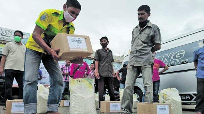 ACT Aceh Salurkan Bantuan Pangan untuk Sopir Angkutan