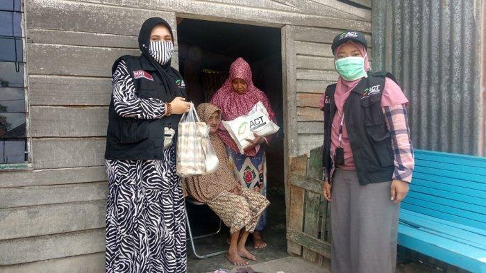 Dampak Corona di Aceh - ACT Bagikan Paket Pangan untuk Anak Yatim, Fakir Miskin, dan Santri