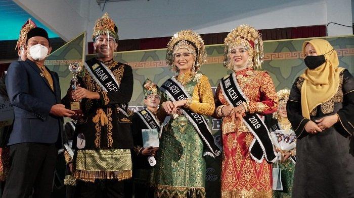 Ashabul Kahfi dan Izzatul Muna dinobatkan sebagai Duta Wisata Aceh Besar