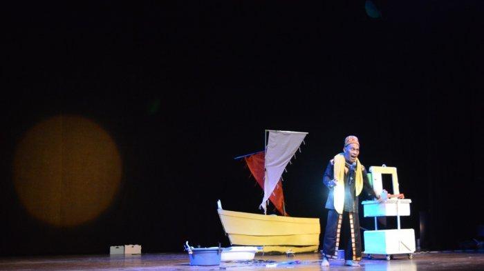 Seniman Tutur Kontemporer Aceh Agus PMTOH Tampil dalam Repertoar 'Jiwa Laut' di TIM Jakarta
