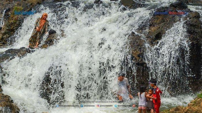 FOTO - Air Terjun Rayap Destinasi Wisata di Aceh Utara Yang Kembali Ramai Dikunjungi - air-terjun-rayap-di-aceh-utara-10.jpg