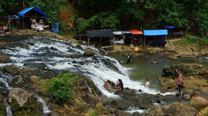 Menikmati Air Terjun Rayab, Objek Wisata Alam Tersembunyi di Aceh Utara