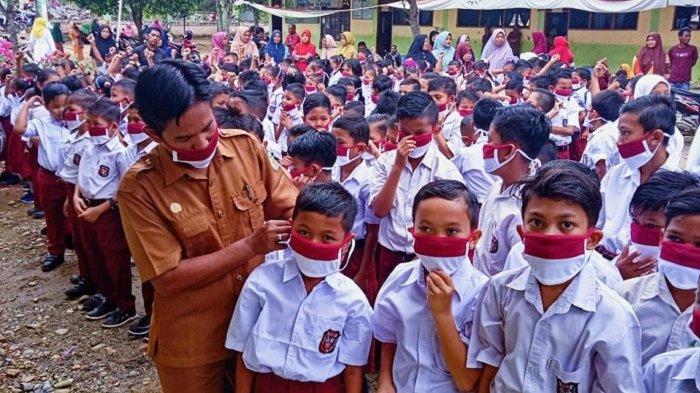 Nasib Guru Honorer di Pedalaman Aceh Utara, Tetap Mengajar Meski Sudah Diputus Kontrak