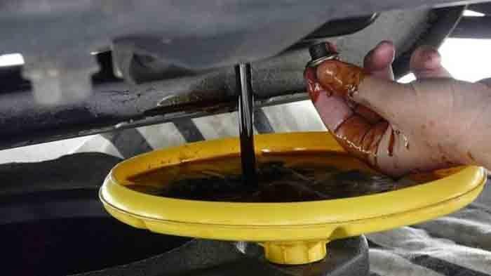 Akibat Oli Mobil Telat Diganti, Hati-hati Akibatnya Fatal