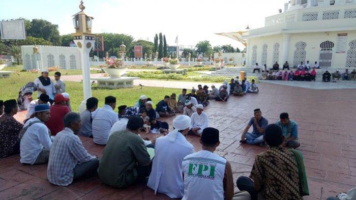 Tolak Kecurangan Pemilu, Massa Gelar Doa dan Zikir di Masjid Raya Baiturrahman Banda Aceh