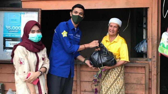 ALSA Unsyiah Bagikan Sembako untuk Warga Terdampak Covid-19
