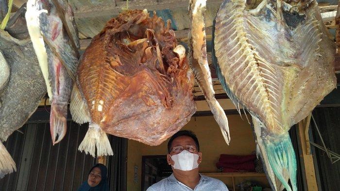 Aminullah Usman, Wali Kota, Mantan Bankir dan Ikan Asin