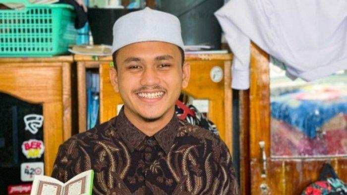Amrul, Pemuda Yatim yang Berprestasi di Bidang Agama, Tahfiz Hingga Juara Drama Bahasa Arab