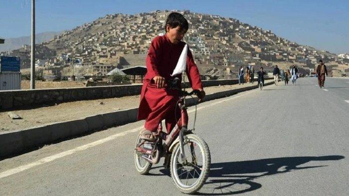 Taliban Perintahkan Siswa dan Guru Laki-laki Masuk Sekolah