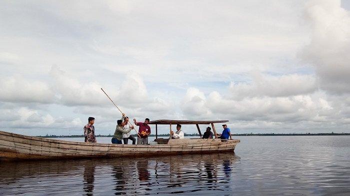 Alur Pelayaran Anak Laut Dangkal, Anggota Dewan dan Asisten II Aceh Singkil Cek Lokasi