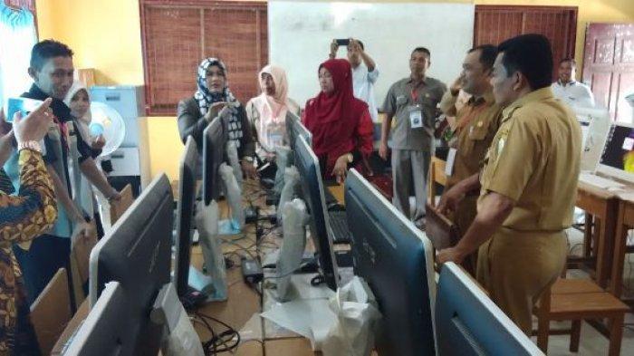 Tinjau UNBK, Anggota DPRA Terima Banyak Keluhan Masalah Kekurangan Komputer
