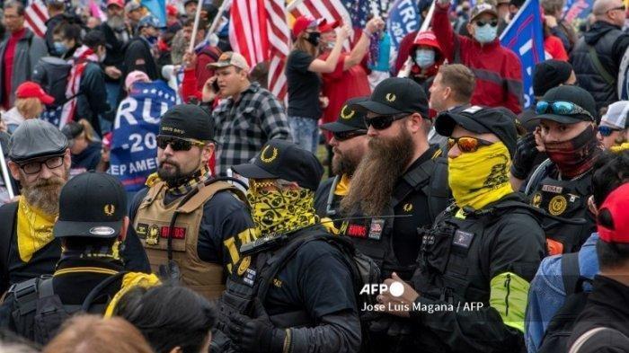 Demonstrasi Pendukung Donald Trump Tolak Hasil Pilpres Berujung Ricuh, 4 Orang Tertusuk