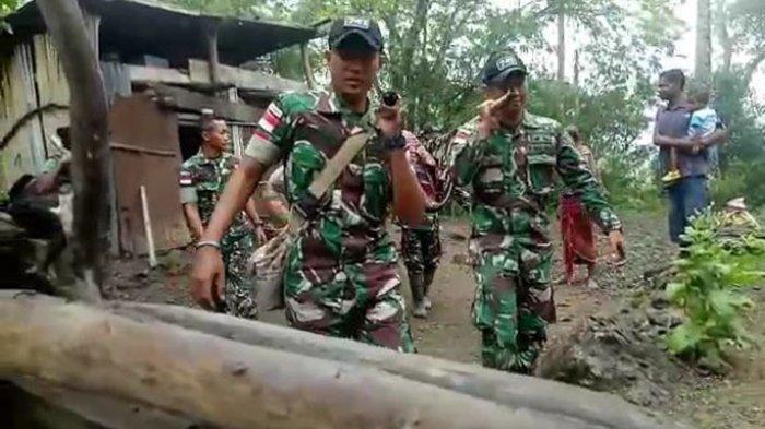 VIDEO Anggota TNI Lewati Medan Berat Saat Bawa Warga Sakit ke Puskesmas di Perbatasan RI-Timor Leste
