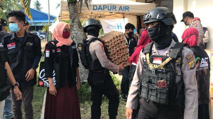 Polres Aceh Utara Serahkan Bantu Pengungsi Rohingya, dari Susu Balita Hingga Sandal Jepit