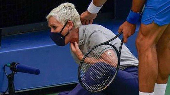 Tak Melihat Saat Pukul Bola Tenis Hingga Kena Leher Wasit, Djokovic Didiskualifikasi dari US Open
