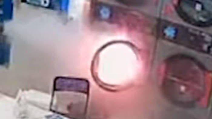 Api Berputar-putar Dalam Mesin Cuci, Diduga Berasal dari Barang Dalam Pakaian