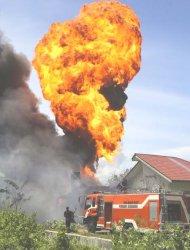 Rumah Berisi BBM Terbakar