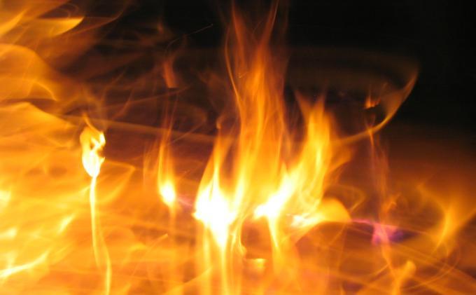 Sebuah Rumah Kosong Hangus Terbakar di Blangkejeren
