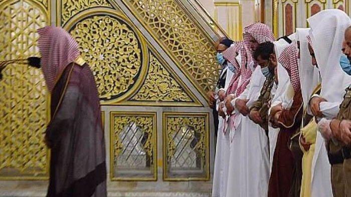 Alhamdulillah! Arab Saudi Umumkan Sholat Tarawih Bisa Dilakukan di Masjid Nabawi selama Ramadhan