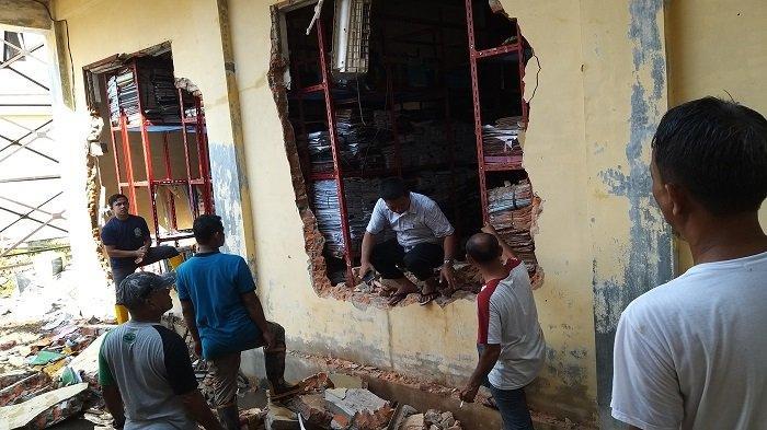 Gedung Arsip Badan Pengelolaan Keuangan Abdya yang Terbakar Menyimpan Ribuan Dokumen