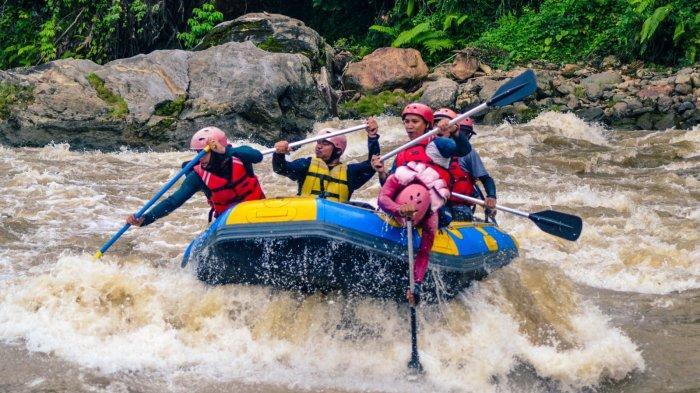 Tujuh Anggota Tim Arung Jeram Banda Aceh Taklukkan Sungai Alas Ketambe, Aceh Tenggara
