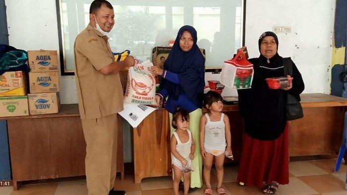 Keluarga Besar UT dan Dinsos Fasilitasi Pemulangan Ibu Dua Anak Warga NTB yang Terlantar di Bireuen