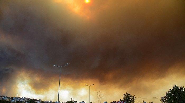Kebakaran Hebat, 4 Meninggal dan Ratusan Luka-luka