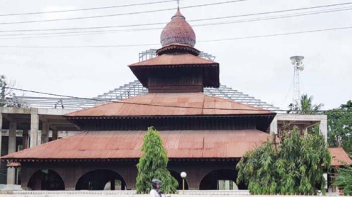 Masjid Teungku Di Pucok Krueng Beuracan, Masih Berdiri Kokoh Meski Berusia Ratusan Tahun