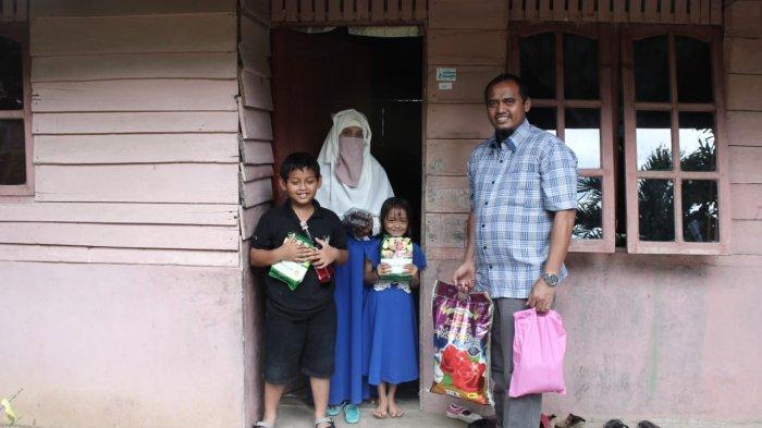 Asyraf Aceh Salurkan Bantuan Sembako untuk Warga Miskin