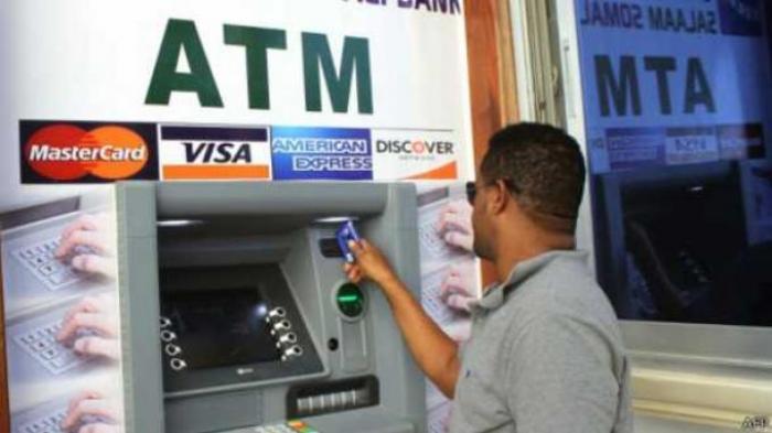 Jangan Dibuang Sembarangan, Sampah Struk ATM Bisa Dipakai Penjahat untuk Kuras Saldo Rekening Anda