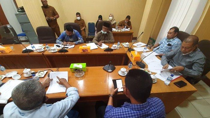 Ketua DPRK Lhokseumawe Terima Audiensi Buruh Lepas Lingkungan PAG
