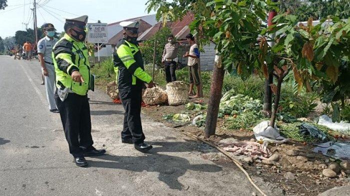 Dini Hari, Ayah & Anak Meninggal Ditabrak Pikap Angkut Tomat di Aceh Tenggara, Sopir Diduga Ngantuk