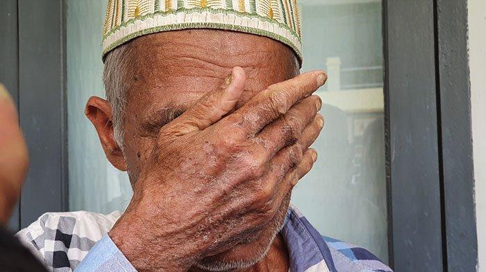 Ayah Gadis Aceh yang Hilang di Malaysia Menangis di Polda Aceh, Berharap Anaknya Segera Ditemukan