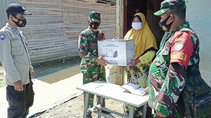 Danramil Kuala Batee Abdya Salurkan 11 Unit Mesin Jahit bagi Warga yang Miliki Ketrampilan