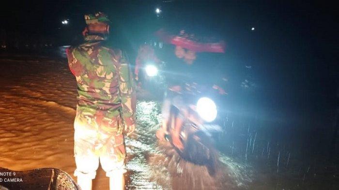 Heroik, Aksi Babinsa Selamatkan Ibu dan Bayi di Aceh Timur dari Kepungan Banjir